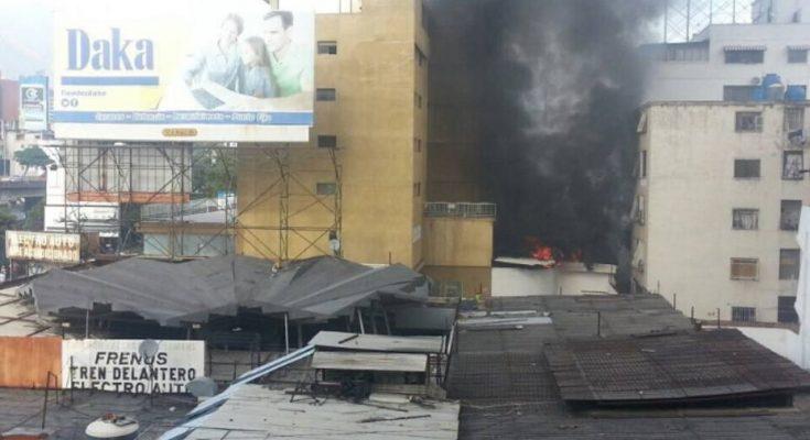 Resultado de imagen de INCENDIO DE COMANDO DE CAPRILES EN BELLO MONTE