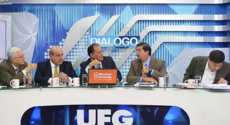 Destacan tecnología en proceso electoral judicial boliviano