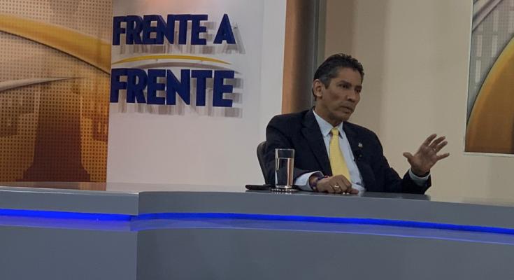 PCN estará bailando al son del Ejecutivo, dice López Davidson