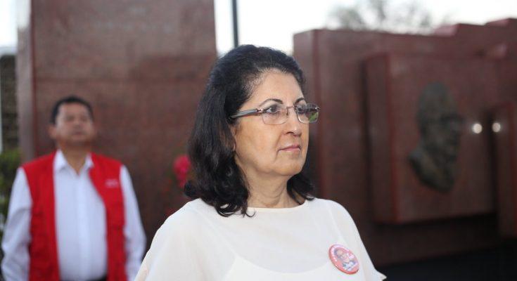 Erlinda Hándal renuncia a su plaza de investigadora, tras recibir masivas  críticas