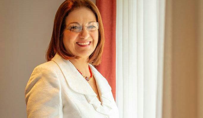 Presidente Electo designa a Karla Hananía de Varela como la